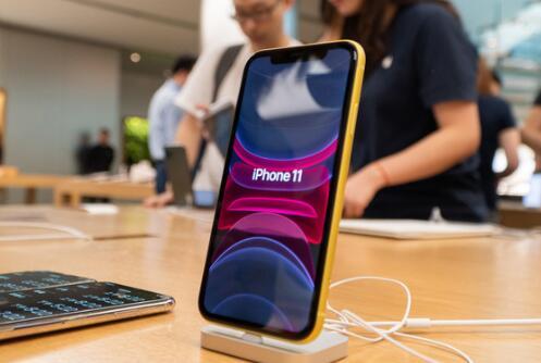 """苹果手机在中国市场止跌 就是凭借这些""""大招"""" 不过分析师称好运气恐怕十分短暂"""