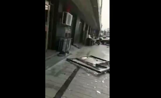 北京房山一饭馆发生爆燃事故 造成3人受伤 疑似液化气泄漏所致