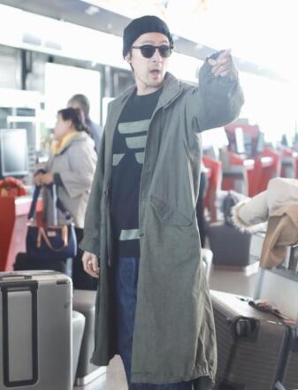 好脾气胡歌机场怒斥代拍:再说一遍别拍了啊 还