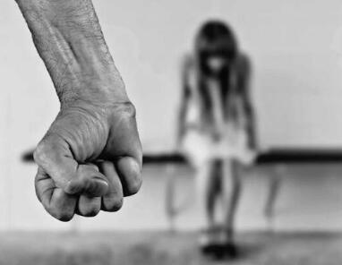 本日头条天阅网_意大利142名女性惨遭杀害 超百名受害者死于家庭暴力