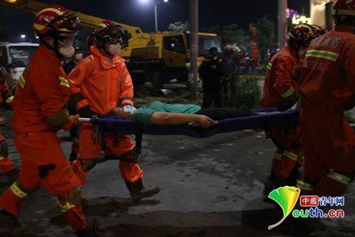 福建泉州宾馆倒塌事故仍在救援中 尚有约23人被困