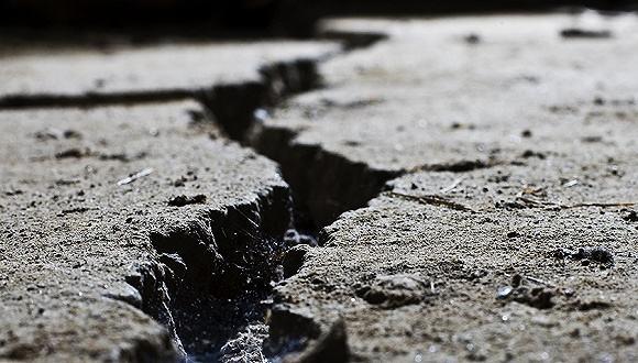 新疆霍城5.0级地震 震源深度15千米。