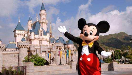 美国迪士尼乐园将裁员2.8万人 占乐园员工总数25%