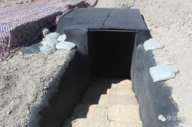 高原边防部队新型保温菜窖建成